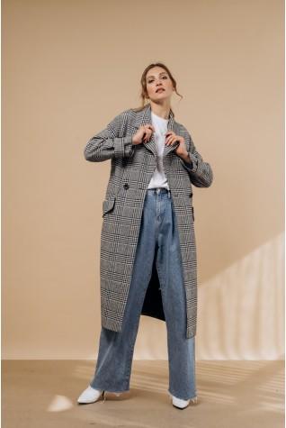Пальто длинное с хлястиками на рукавах и сзади