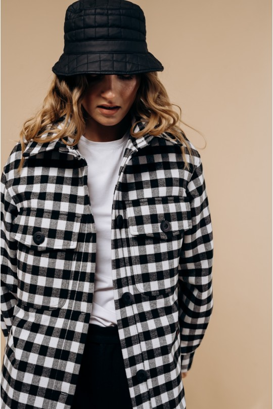 Пальто-рубашка длинное с поясом. В черно-белую клетку.