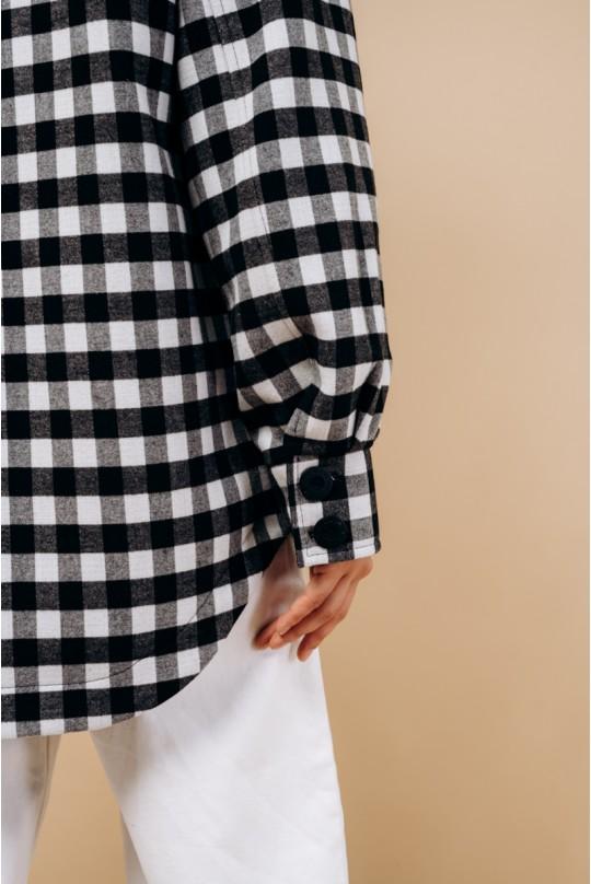 Пальто-рубашка короткое. В черно-белую клетку.