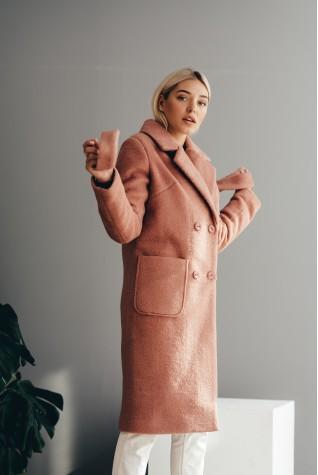 Длинное пальто  из эко меха альпака пыльная роза с карманами демисезонное