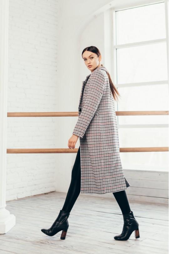 Пальто длинное однобортное со шлицей