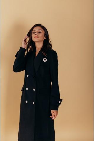 Пальто черное полуприталенного силуэта с шалевым воротником. С патами на рукавах