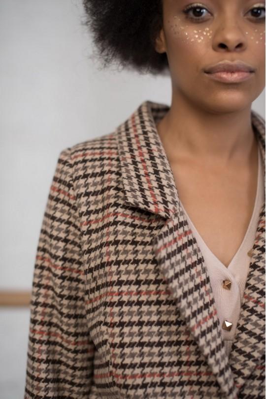 Пальто длинное однобортное со шлицей клетка