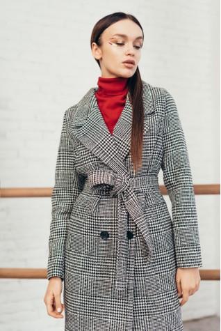 Пальто двубортное на 4 пуговицы