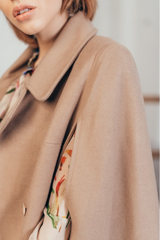 Пальто кейп Valentir на 4 поговицы