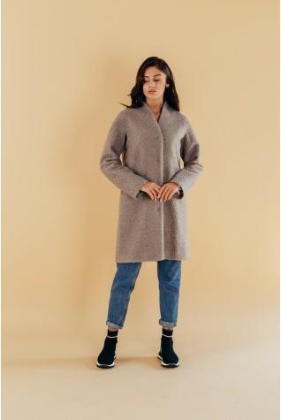 Пальто из букле со спущенным плечом на кнопках серое